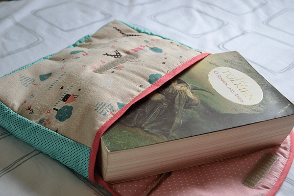 Olha o que chegou: Porta-livro Fofysfactory!