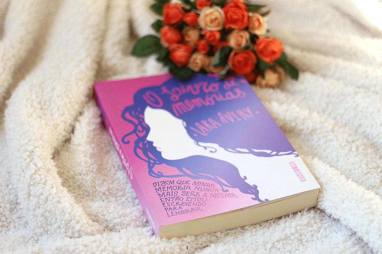O livro de memórias, de Lara Avery