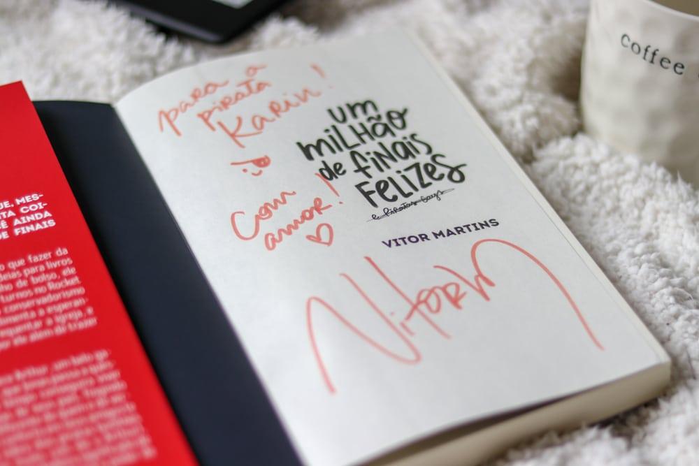 Um milhão de finais felizes, do Vitor Martins